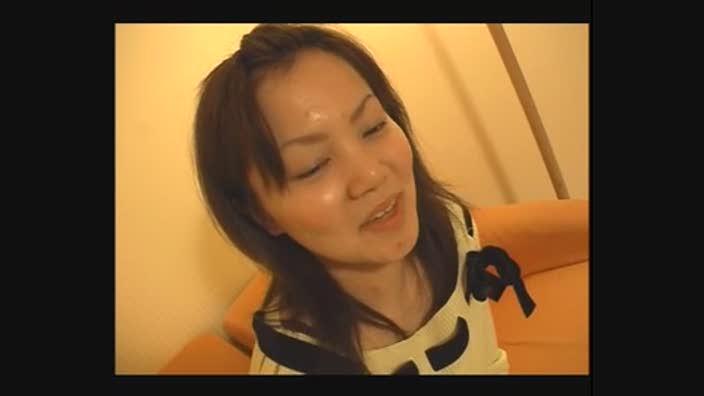 アダルト動画 しゃがみパンチラ娘08 - エロ動画