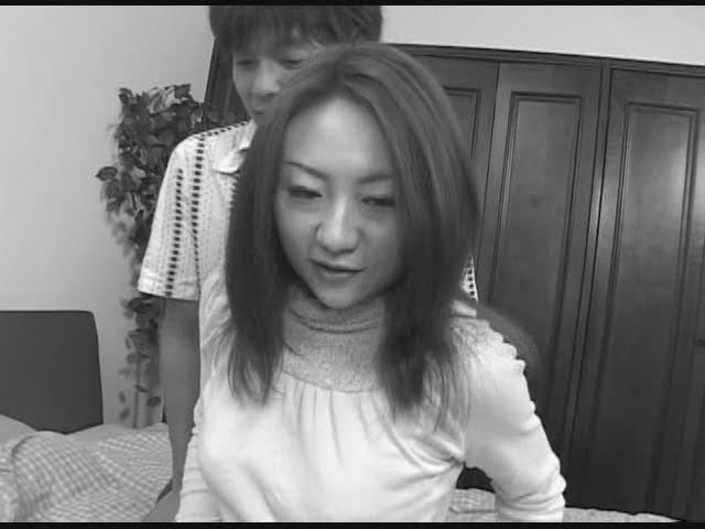 【個人撮影】顔出し 綺麗で愛嬌のある女子大生20歳、元読者モデルにメイドの恰好をしてもらって、中出ししちゃいましたwww【高画質版有】