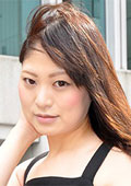 ゆり 28歳 貧乳微熟女