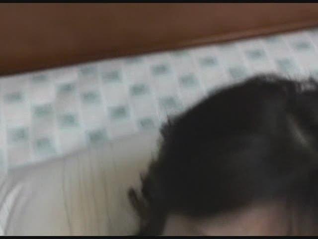 可愛いむっちりエッチな体で美乳 無修正ライブチャット動画
