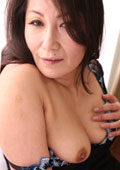 すみれ 42歳 敏感乳首のスレンダー四十路マダム