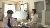 再会した母と息子 上京したアパートで隣に住んでいたのは蒸発した母だった! 新尾きり子 43歳1