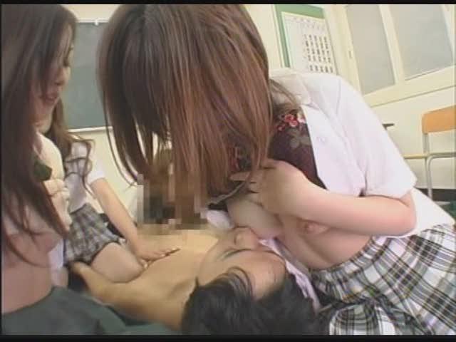 幼稚園に子供を送り出して時間を余らせた素人ママを口説いて