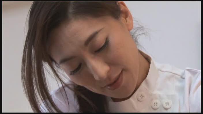 #1 ウブな美少女のハニカミえっち Miki