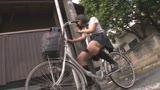 自転車の椅子に媚薬を塗られ通学路でも我慢できずサドルオナニーをするほど発情しまくる女子校生17