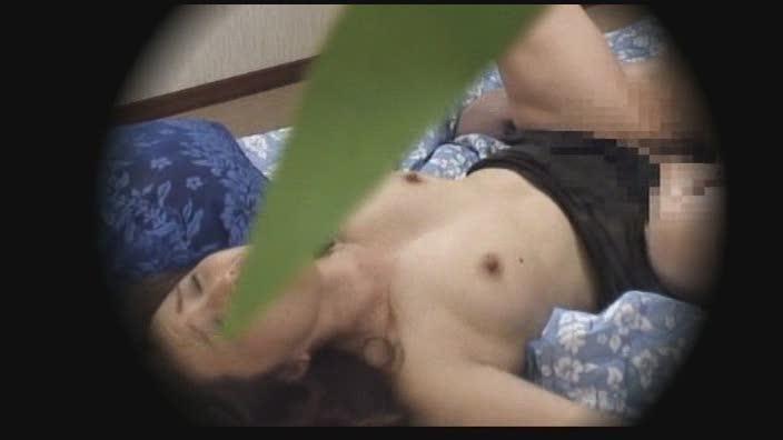 パートナーのパンストを破いて生尻 【素人】美女レズカップル