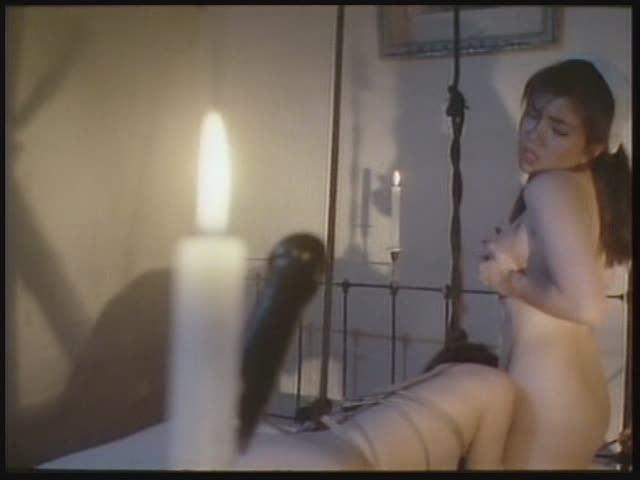 - エロ動画 大量に顔射されたときの表情が超エロいJDの彼女