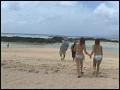 海水浴場で島SHIMANCHU人を巨乳ビキニ隊が逆ナンパ!!14