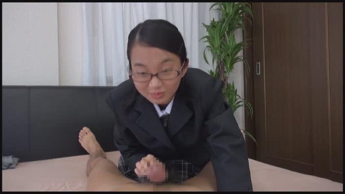 関西素人初撮り!学費を稼ぐため、AV!面接に来た関西弁の●校卒業したての超マジメっ娘を即SEX、そしてじゃまなマン毛を剃っちゃいました!! 鈴木そら(仮名)18歳 - シロウトAV無料動画サーチ