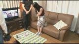 「夫が留守中の女性ユーザーの自宅に訪問して生チ○ポを見せたら生でヤれるか?」VOL.1/