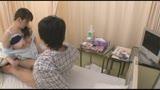 「10周年記念 採精室でイケメン患者と2人きり!精液検査で勃起しない患者をおばさん看護師がこっそり手伝ってくれた 全員中出しSPECIAL」14