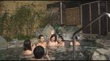 「『おばさんを興奮させてどうするの?』温泉旅館でヤりまくりSPECIAL 王様ゲームで勃起した青年チ○ポを押しつけられたおばさん妻は嫌がりながらも本当はママ友に自慢したい」VOL.224