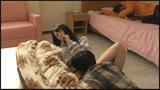 コタツの中で内緒で悪戯「ちょっと!?彼氏に気づかれちゃうよぉ!」カレの友人に寝取られ本気で生SEX!33