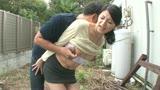 ガクガクかあさんブルブル中出し 足腰立たなくなるまでハードファックで突かれまくった母 古川祥子 47歳/