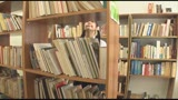 男子諸君!図書室女子には気をつけろ!「しーっ!静かにしないと怒られちゃうよ!そのかわり・・・♡」図書室で巻き起こるHな誘惑に耐えきれず、真面目なあの子に迫り!吸い付き!至福の中出し!/