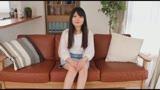 普段はケーキ屋さんで働く8.5頭身のペチャパイ足長スレンダー美少女がAV初出演! 18才 牧野あゆみ/