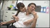 可愛い美女たちの突発乳首責め!乳首が敏感だと知ったとたん微笑みながらチクベロ行為!37