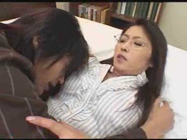 めっちゃ可愛いアジア美女のノンストップ超絶☆フェラで口内射精♪
