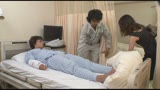 寝取らせ検証「夫に頼まれ見舞いに行った三十路妻は入院中のデカチン上司の誘いを断れず騎乗位で挿入してしまうのか?」/