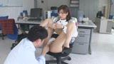 昼間っからオフィスで…働く美女と性交3 休日出勤してでも…職場で着衣挿入 4時間9