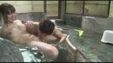 混浴温泉で奇跡の若い女性客と遭遇!興奮してたら湯船からチ○コがにょっきり!ニューハーフと気づいても僕の勃起も収まりつかずヤッてしまいました11