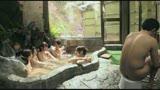 ママ友達の温泉旅行。母親以外は全員ボイン混浴したらギン勃ちしちゃいました。僕の成長したチ○ポにママ友達が群がりオモチャにされて超キモチイイ!/