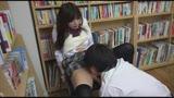 クラスメイトのニーハイ太ももがおいしそうなうえに、チラッと見えたスカートの中はなんとTバック! ニーハイTバック女子校生の甘い吐息を聞きながら包み込まれました。24