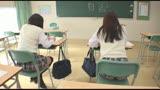 クラスメイトのニーハイ太ももがおいしそうなうえに、チラッと見えたスカートの中はなんとTバック! ニーハイTバック女子校生の甘い吐息を聞きながら包み込まれました。5