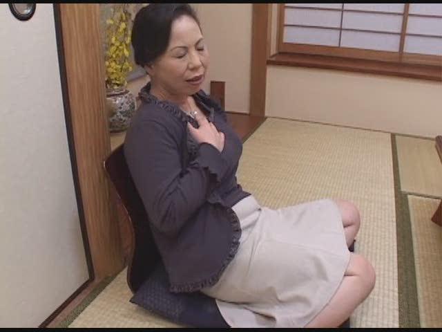エロ 【個人撮影】 会社の同僚女性社員と会社内でハメ撮り! -