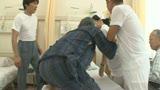麗しのナース母 わびしい中年病棟のやさしい性処理天使 篠宮千明 45歳8
