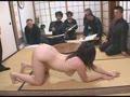 夫の前で男性経験の少ない新妻が涙の全裸デッサンモデルにさせられて・・・25
