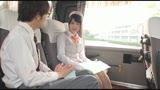 修学旅行のバスの中で男子高生のお願いを断れず優しい騎乗位でこっそり中出しさせてくれたガイドさん2/