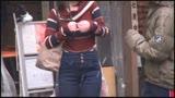 プロレスナンパ 技かけて身動き出来ない素人女子に凶器(電マ&チ○ポ)でその気にさせてピン&フォール!/