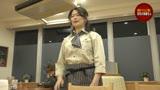 深夜のファミレスで働く理由アリ熟女の加藤さんは制服の上からでもわかる巨乳がたまらないので通いつめて中●ししたい/