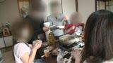公民館2 年末の忘年会にきていたマキシワンピの奥さんの泥酔ねとられビデオです1