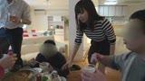 鍋パNTR 【悲報】出不精の妻が同窓会も兼ねて同級生の新築パーリィーに行った時に撮られたで有ろう動画です… 藤代ゆかり2