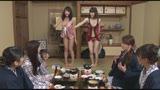 女性社員だけの宴会に勘違いで呼ばれたピンクコンパニオン8