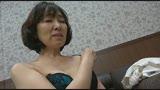 色香漂う熟れた人妻 VOL.5 初脱ぎ熟女も人妻も面接中に半裸にされて…/