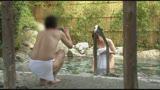 「寝取られ願望」のある夫が「混浴だから」と 妻をダマして男湯放置!客のふりした絶倫チ〇ポに誘われ自慢の妻が欲情!生(ナマ)挿入なのに拒めず真正中出し!!4