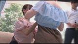 """マジックミラー号 胸元から覗くキレイな鎖骨!""""おとな可愛い""""オフショル女子の敏感美乳をこねくり回すオイルたっぷりリンパマッサージ!22"""
