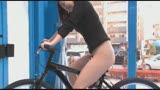 マジックミラー号×アクメ自転車 ママチャリ人妻限定!「みんな私の方を見てる気がするんですけど・・・」公衆の面前!?でイキまくる!ハリガタピストンで大量潮吹き絶頂アクメ!!17
