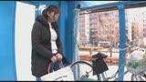 マジックミラー号×アクメ自転車 ママチャリ人妻限定!「みんな私の方を見てる気がするんですけど・・・」公衆の面前!?でイキまくる!ハリガタピストンで大量潮吹き絶頂アクメ!!1