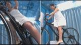 マジックミラー号×アクメ自転車 ママチャリ人妻限定!「みんな私の方を見てる気がするんですけど・・・」公衆の面前!?でイキまくる!ハリガタピストンで大量潮吹き絶頂アクメ!!35