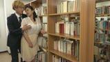 巨乳人妻図書館司書 八木あずさ29