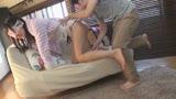 ショートパンツ穿いているのに実はノーパン!無防備に過ごす姉のマンチラ姿に興奮した童貞弟が我慢できずまさかの即ハメ! 22