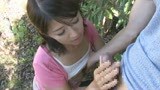父に隠れて太陽の下でまぐわう愛ある親子の大自然交尾 笹山希 37歳2