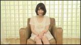 『家計を助けるため』と嘘をついて、本当は欲求不満を解消するためにAV出演した奥さんに中出し 坂本那美 35歳/